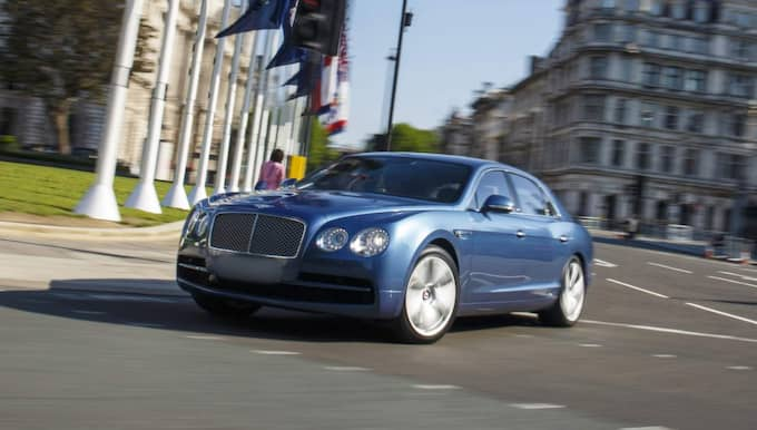 Bentley Flying Spur, V8 2015 Nypris: 1,4–2 miljoner 0–100 km/h: Cirka 4,9 sek Toppfart: 295 km/h