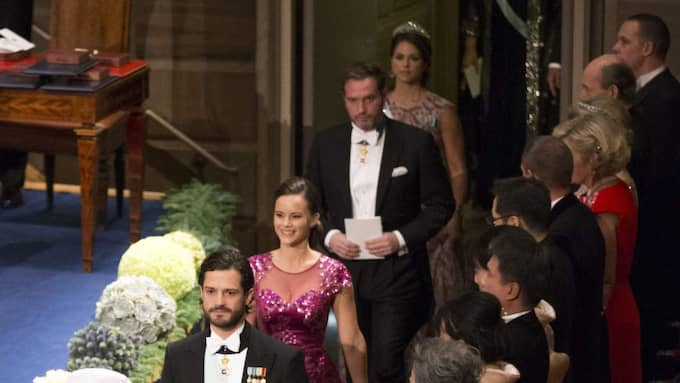 Prins Carl Philip, prinsessan Sofia, Chris O'Neill och prinsessan Madeleine på nobelfesten 2014. Foto: David Sica