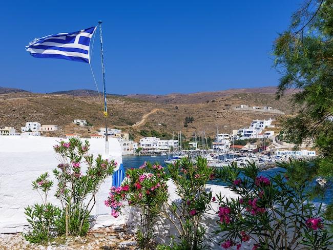 Resans första mål är något så exotiskt som dubbelviken på ön Kythnos.