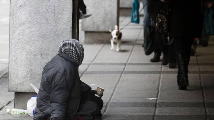 Tiggeriet är destruktivt och dessutom finns alltfler tecken på att utnyttjandet ökar. Sverige bör införa ett tiggeriförbud, skriver Anna Dahlberg. Foto: PER WISSING
