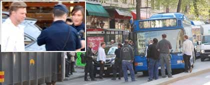 Johan Staël von Holstein hade bråttom - och parkerade sin svarta lyxbil på en busshållplats.