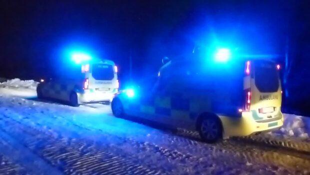 Bandvagn har gått genom isen - en person har avlidit