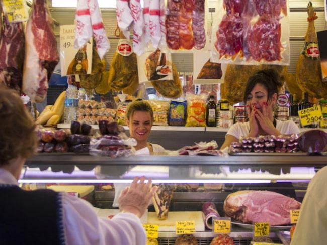 <span>Korvar, skinkor, ostar, grönsaker och fisk är lite av vad du kan hitta i saluhallen.<br></span>