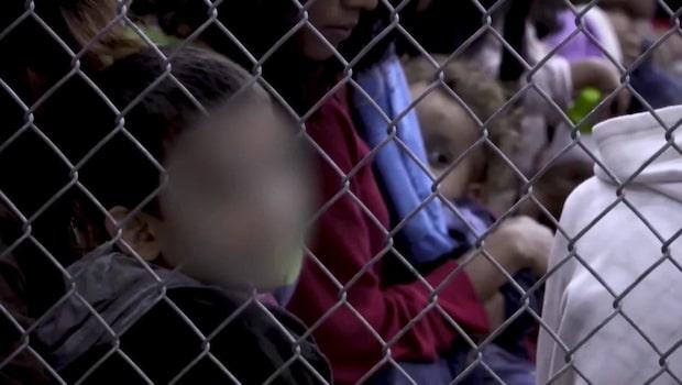 Hundratals barn i burar i södra USA