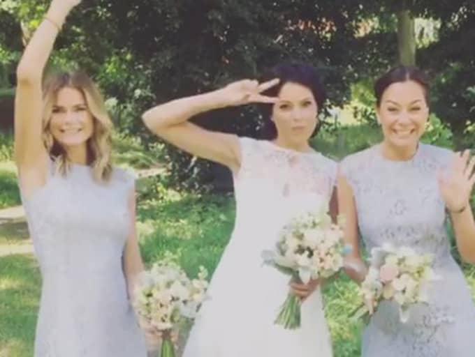 Jessica Olérs (mitten) har gift sig med sin Rasmus. Foto: Instagram