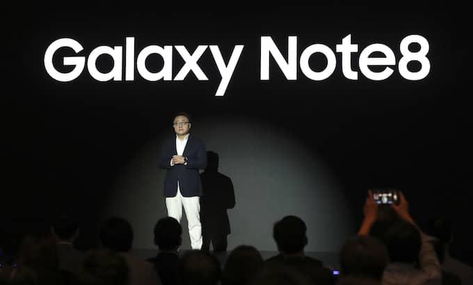 Koh Dong-jin, mobilchef på Samsung electronics, under ett medieevent inför försäljningen av Galaxy Nte 8 som startar på fredag. Foto: LEE JIN-MAN / AP TT NYHETSBYRÅN
