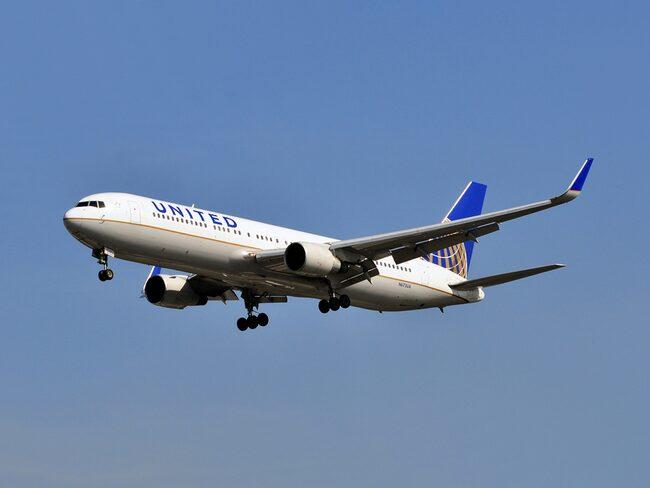 Personalen på United Airlines bad de drabbade städa själva.