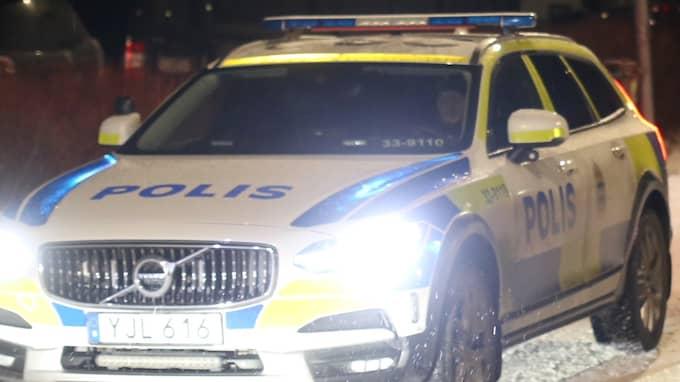 Det var 20-tiden på torsdagskvällen som en explosion utlöstes vid ett hus i ett villaområde i Stockholm. Foto: Janne Åkesson/Swepix
