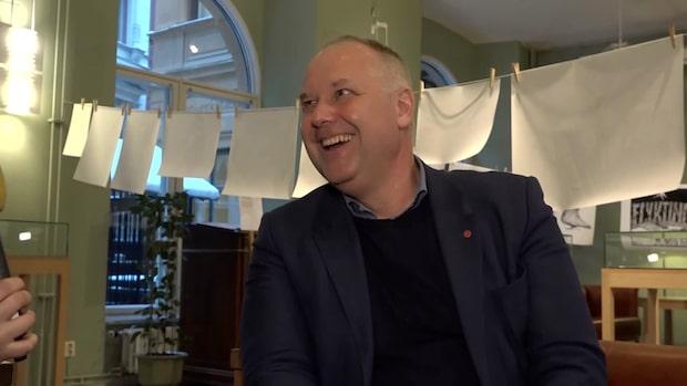 "Sjöstedt om mystiska pappret: ""Sitter i en pärm"""