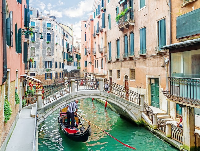 Skulle du vara villig att betala 100 kronor för att besöka en stad? Det vill den italienska staden Venedig att turisterna nu ska göra.