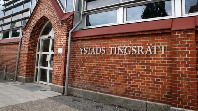 Den åtalade 43-åringen ställs inför rätta i Ystad för grov misshandel och grovt vållande till annans död. Foto: Sanna Dolck