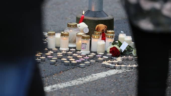 Noraldin hedrades på platsen efter dödsolyckan. Foto: ROBERT BETZEHAG / RESCUE PHOTO