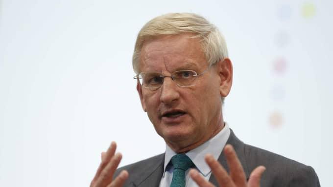 Tidigare utrikesminister Carl Bildt ser med stort allvar på det som har hänt - och menar att det är naturligt att misstänka Ryssland. Foto: Sören Andersson / Tt