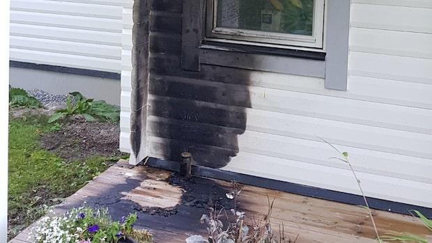 Misstänkt brandattack mot SD-toppar