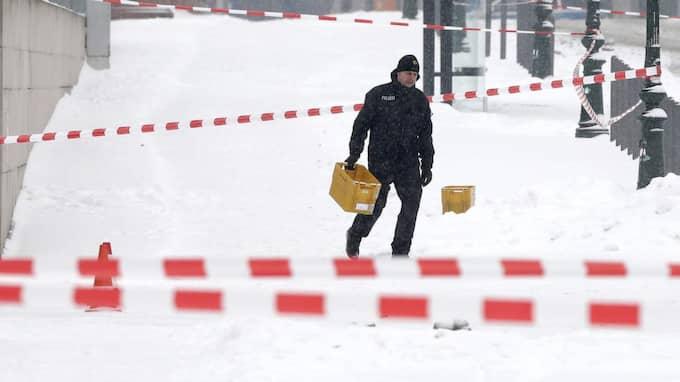 Fyra gula postlådor hittades i området. Foto: Michael Sohn/AP