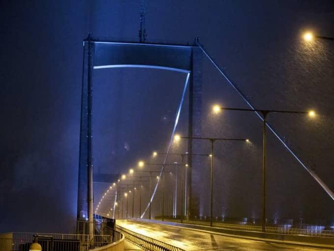VATTENSKYDD. Utanför Älvsborgsbron kan det i framtiden byggas ett vattenskydd för att hantera den förmodade havshöjningen. Ett bygge som skulle kosta tiotals miljarder kronor. Foto: Anders Ylander