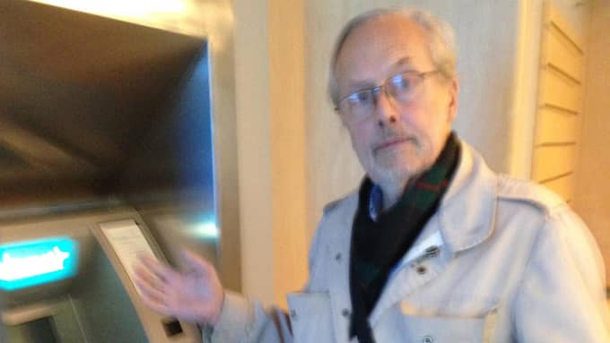 På kontot står det att 500 kronor dragits – men Bengt Rinaldo fick aldrig ut sedlarna från bankomaten. Foto: Privat