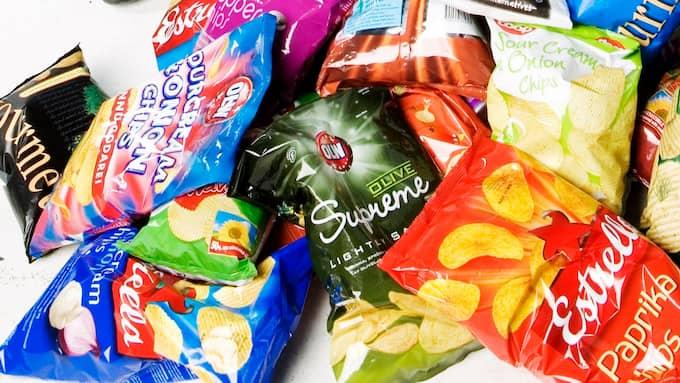 När Testfakta undersöker halterna av akrylamid i svenska chips visar det sig att flera produkter inte uppfyller de krav som snart införs. Foto: TT