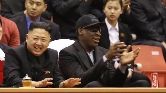 Dennis Rodman är en av få amerikanska vänner till Kim Jong-Un. Han tror inte att diktatorn vill starta krig mot USA. Foto: / AP VICE MEDIA