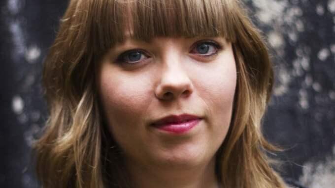 POESIPROFIL. Jenny Wrangborg blev med sin debut en av Sveriges mest lästa diktare. Foto: Joakim Mathiasson