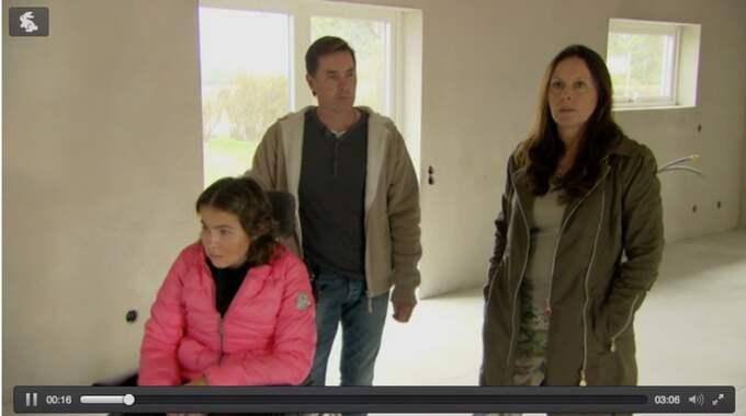 Nicole Pike och föräldrarna Patrik Freij och Ann Pike. Foto: Kanal 5