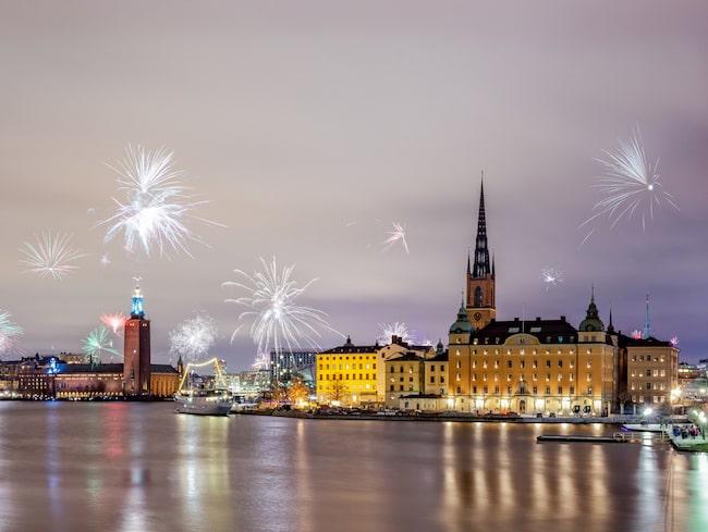 I Stockholm finns det gott om barer, restauranger och nattklubbar som har öppet under nyårsnatten.