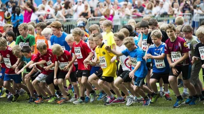 Många är de. I år kommer ungefär 7 000 barn att springa Lilla Varvet. Foto: Robin Aron