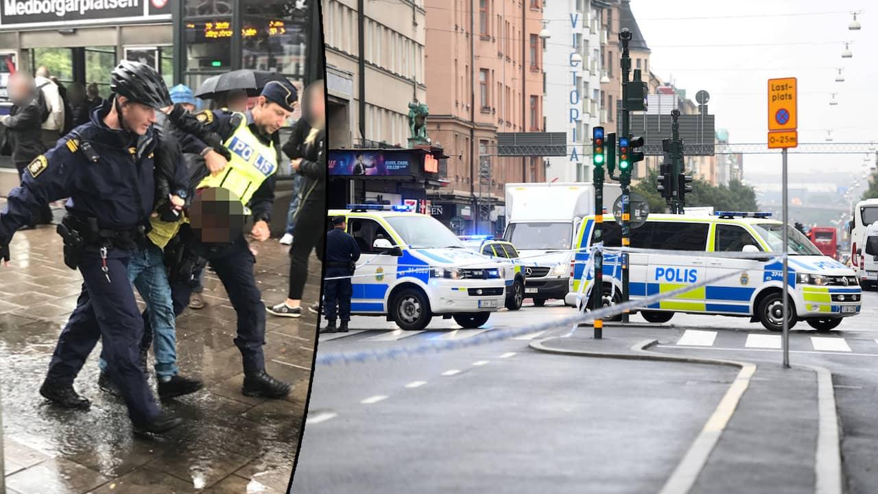 Tva poliser knivhuggna garningsmannen dod