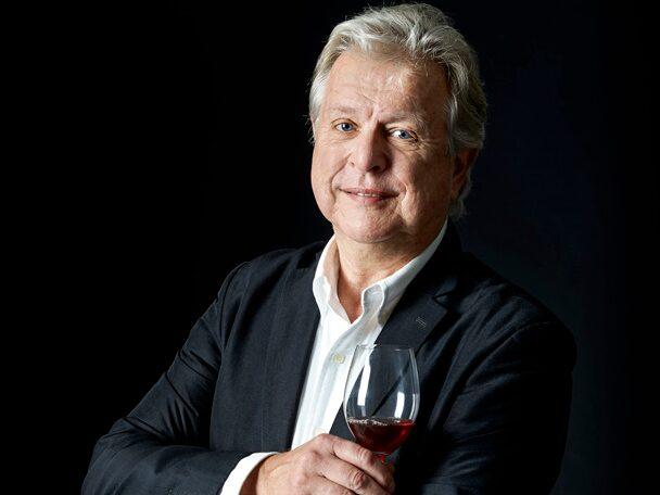 Allt om Vins Mikael Mölstad är en rutinerad vin-minglare.
