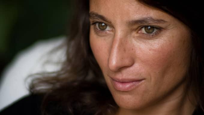 Nina Bourauoi. Foto: RAPHAEL DEVYNCK SAUVILLERS / GRATE FÖRLAG