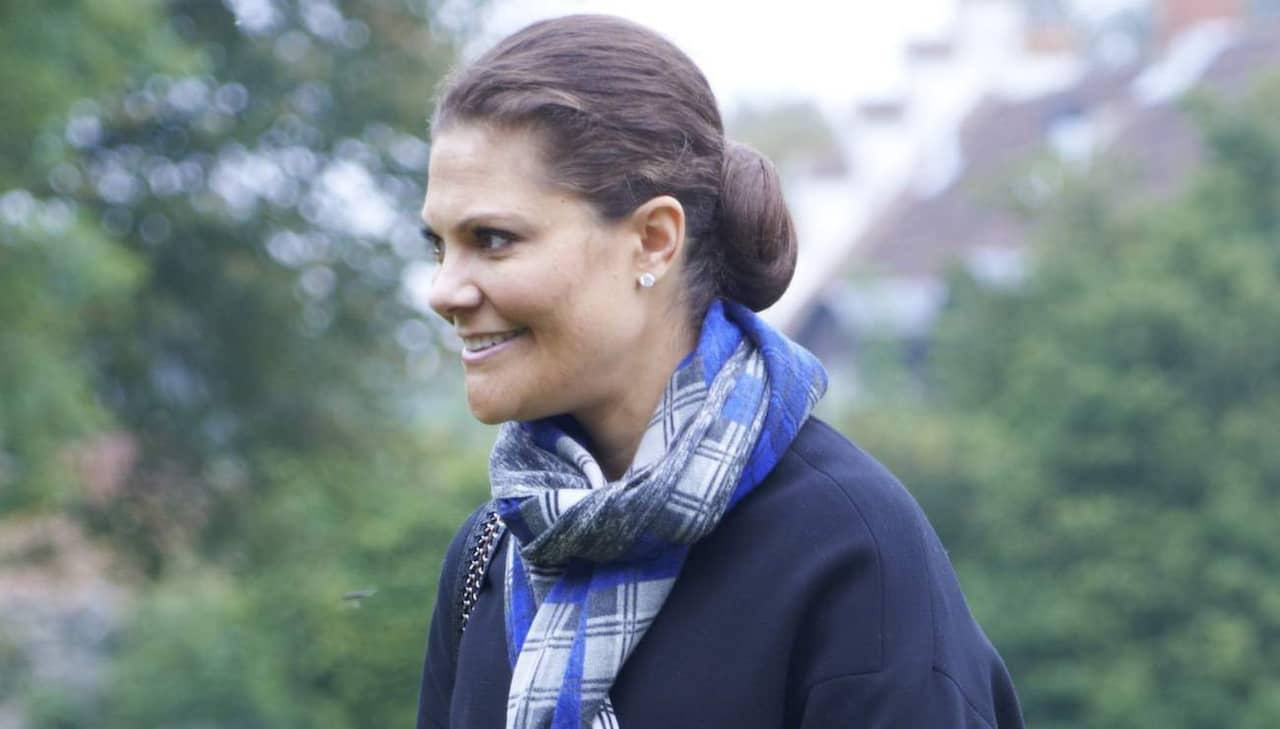 Kronprinsessan på språng i gummistövlar | Kungligt | Expressen