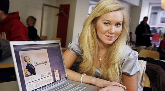 Modebloggar. Isabella Löwengrip bloggar om mode. Det är min hobby och mitt jobb i snart tre år, skriver hon och tycker att politiker inte ska försvåra för tjejer att tjäna pengar på sin hobby. Foto: Christian Örnberg