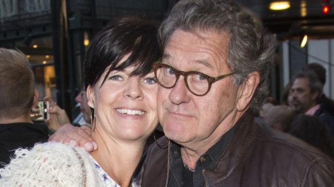 En ledig söndag tar Tommy Körberg gärna sin dotter på bio innan han svänger ihop en festmåltid till henne och frun Ann-Charlotte.
