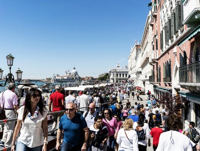 Den nya avgiften kan påverka de 27 miljoner turister som årligen besöker den italienska staden.