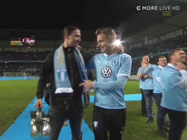 Här delar Zlatan ut pokalen