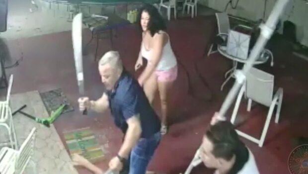 Husägaren går till attack med machete