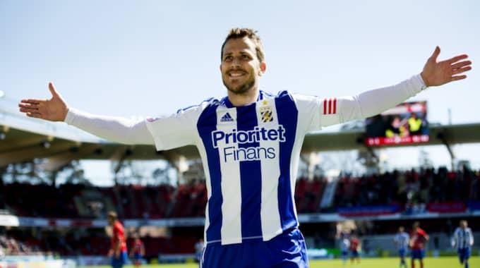Blåvitt hämtade upp 0–2-underläge mot Midtjylland i Tobias Hyséns comeback. Foto: Nils Jakobsson / Bildbyrån