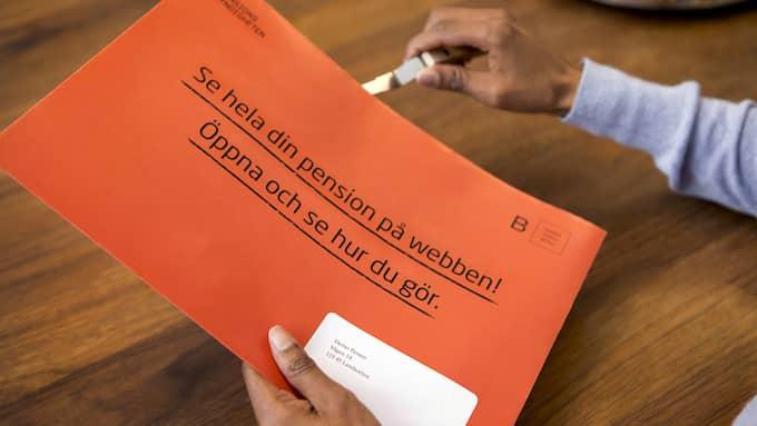 Den här veckan börjar de oranga kuverten att skickas ut från Pensionsmyndigheten. Foto: MAGNUS GLANS