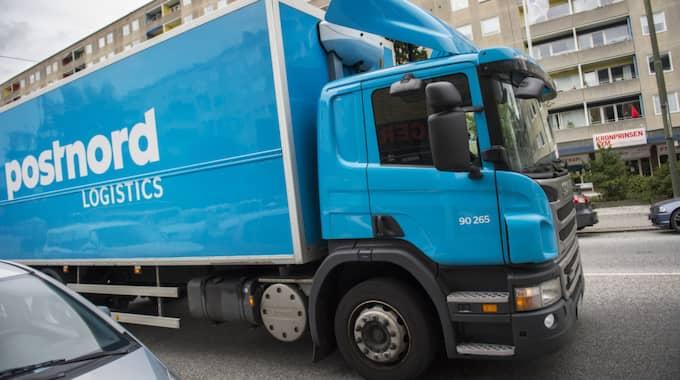 På Postnord beklagar man att leveransen blev som den blev för Johan. Foto: Emil Langvad/TT