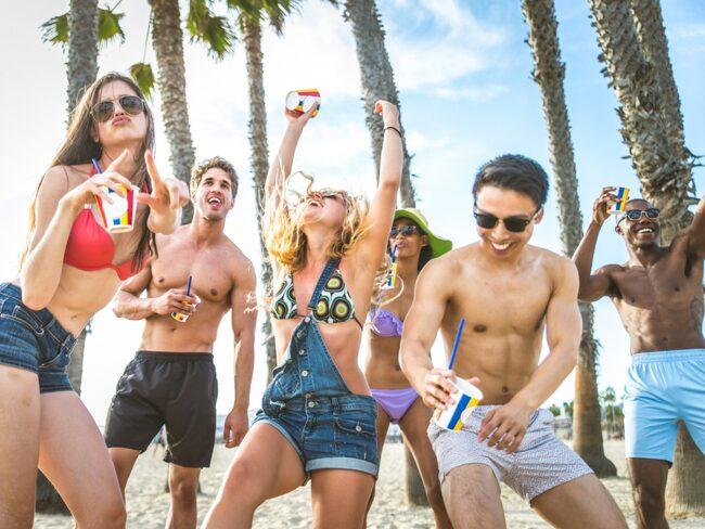 24 procent av svenskarna har blivit för berusade på solsemestern, uppger de själva.
