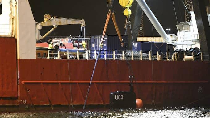 Ubåten bärgades under natten mot söndagen. Foto: JOHAN NILSSON/TT / TT NYHETSBYRÅN