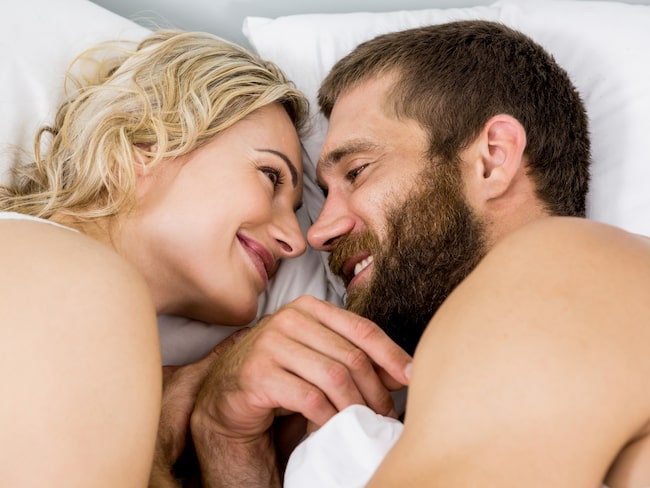 Att sova ansikte mot ansikte verkar vara positivt för sexlivet.