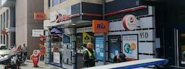 JUST NU: Kiosk rånad av knivbeväpnade män