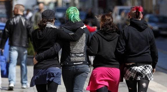 UTAN JOBB. Den som är ung på arbetsmarknaden kan bli behandlad lite hur som helst utan att vuxenvärlden ens rycker på axlarna. Foto: Foto: SUVAD MRKONJIC