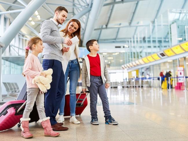 Tydliga skyltar och boardingkort gör att du som resenär har koll på all viktig information inför avresan. Undersökningar visar att det gör dig lugn och mer shoppingsugen.