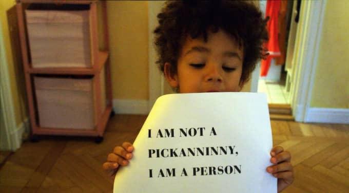 Bild från Oivvio Polites konstprojekt NotYourMotleyCrew.com, som är ett inlägg i diskussionen om rasism i barnkulturen. Foto: Oivvio Polite