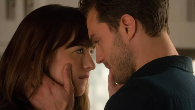"Dakota Johnson och Jamie Dornan i den andra ""Fifty Shades""-filmen. Foto: Doane Gregory / © UNIVERSAL PICTURES"