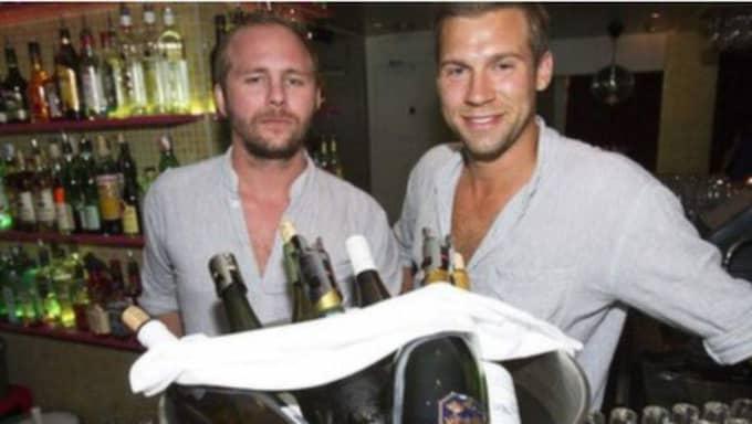 """VASKNING EXISTERAR INTE. Henrik Löfqvist och Linus Josefsson, bartenders på Locatelli, menar att vaskning knappt existerar i Stockholm, ännu mindre i Göteborg. """"Kanske en och en annan som har gjort det i Oslo, för de inte förstår bättre"""", skrattar Linus. Foto: Anders Ylander"""