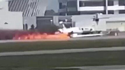 Här tvingas flygplanet göra en paniklandning