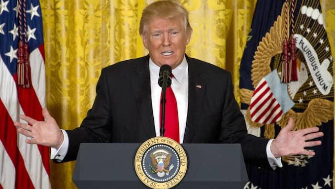 """På en presskonferens den 16 februari skällde Trump på medierna och diktade om sin """"väldiga"""" valseger. Foto: RON SACHS"""